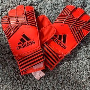 Adidas soccer gloves